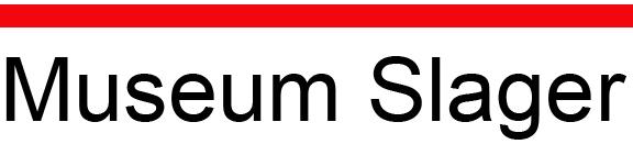 Het logo van het museum is in zwart letter Museum slager met daarboven een rode rechte lijn