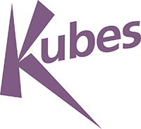 in paarse letters de tekst Kubes