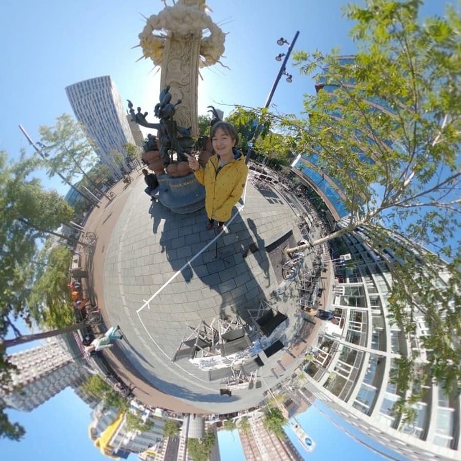 Een 360 graden foto van Gera , weergegeven als een ronde foto, die in Rotterdam in de buurt van station Blaak staat